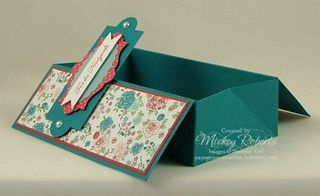 Layered_Labels_Box_Card_Open2